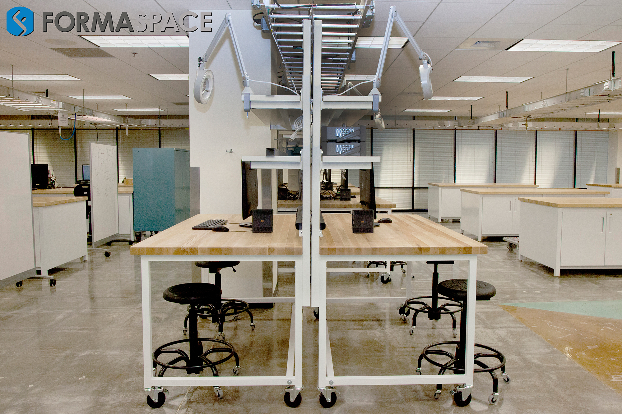 University Maker Space and Innovation Lab with Double Benchmarx