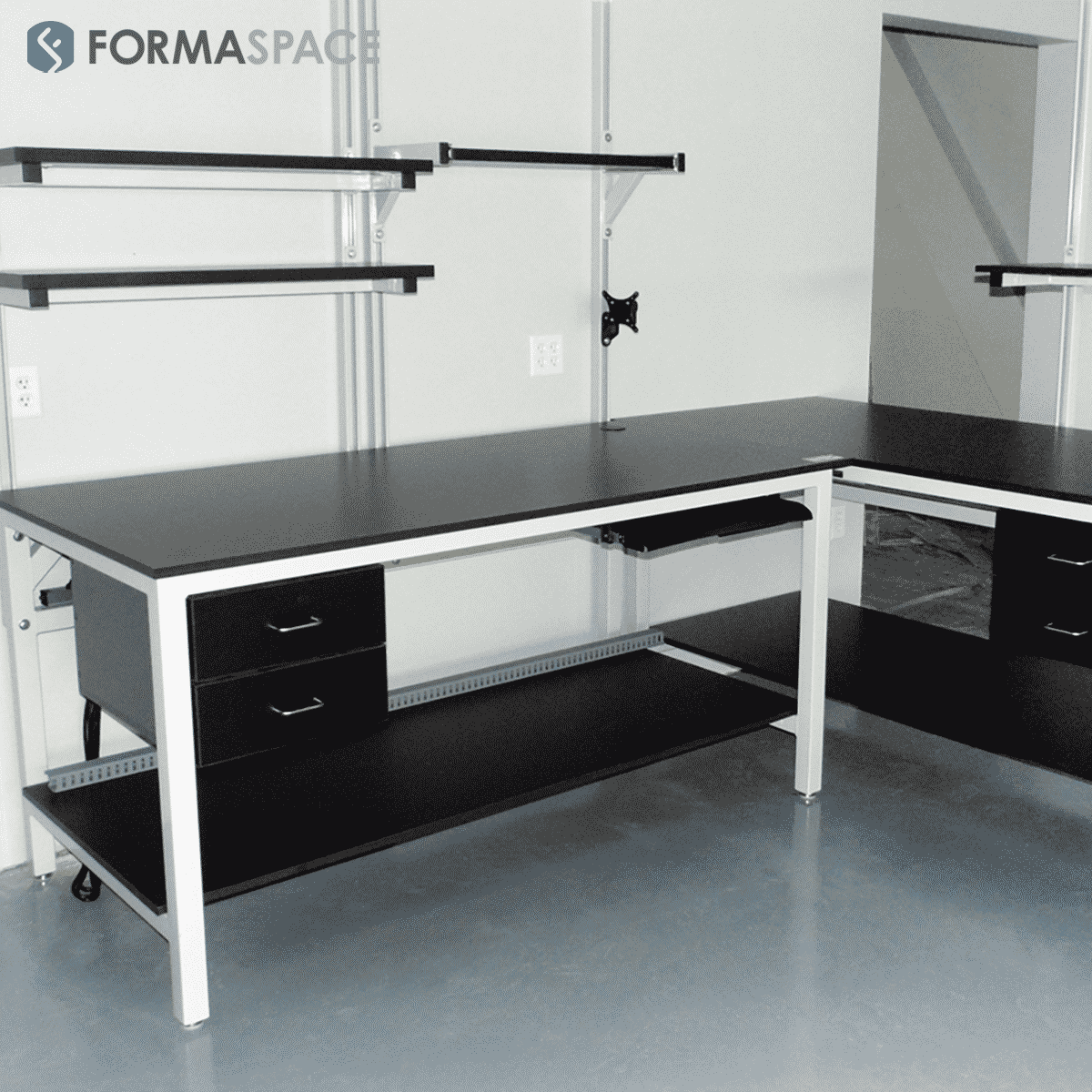 modular laboratory installation with benchmark