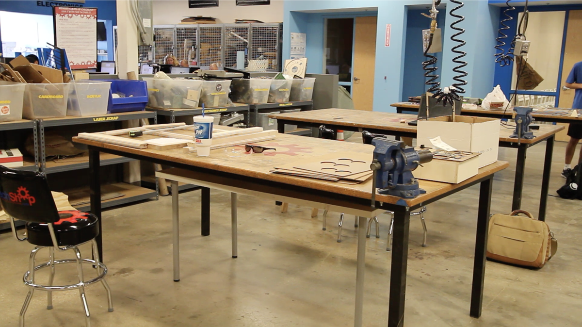 Techshop hub - island benches