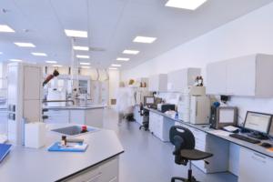 lab design with phenolic tops