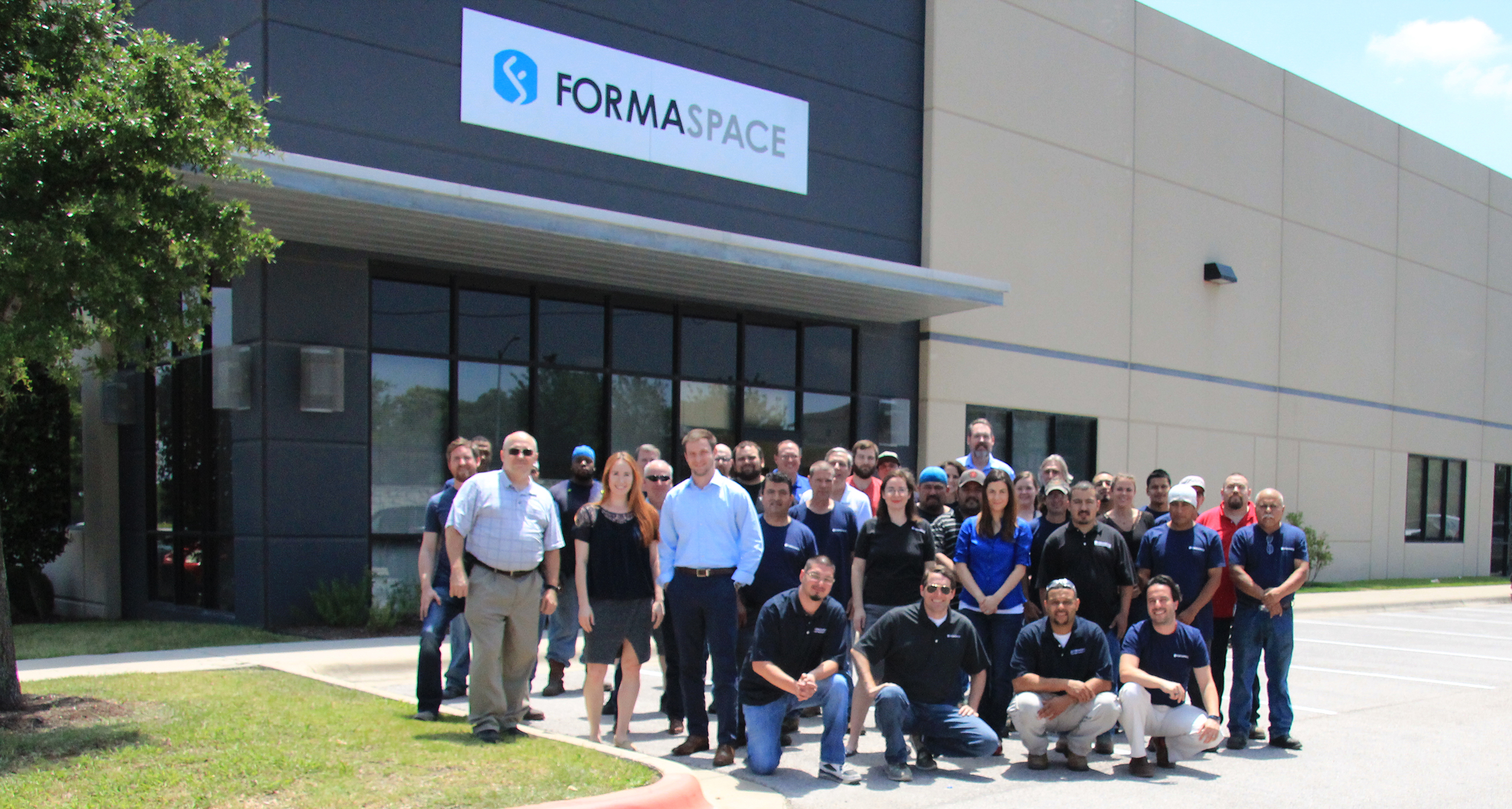 Formaspace Team Outside