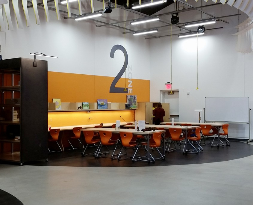 arizona-science-center-makerspace-tables