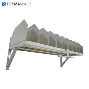 packing station upper adjustable dividers on shelf