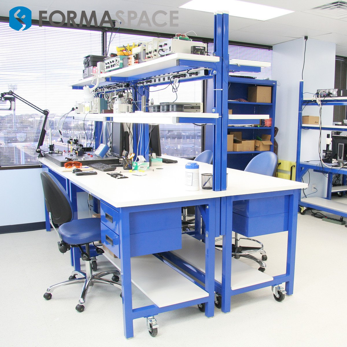 electronic testing double workstations