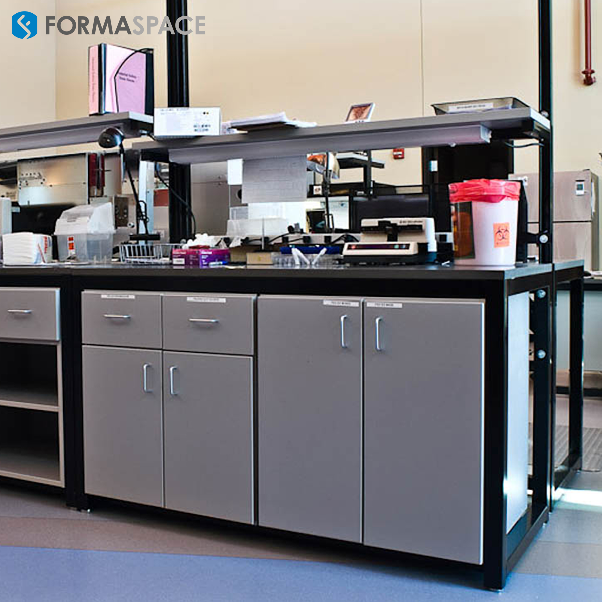 Pathology Workbench Designed for Efficiency and Organization