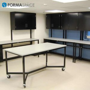 Custom Fit Tech Lab Workbenches
