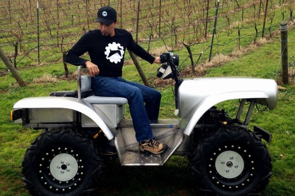 What's new down on the farm? Apple-alum Melissa Brandao has founded Asheville, Oregon-based Rogue Rovers, creators of the FarmDogg electric all terrain vehicle with its integrated DoggBone farm management software.